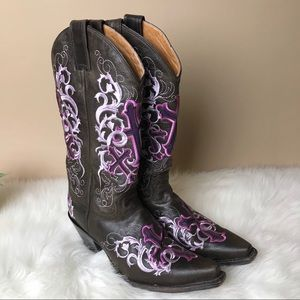 Justin (B2) Cross Embroidered WesternCowgirl Boots